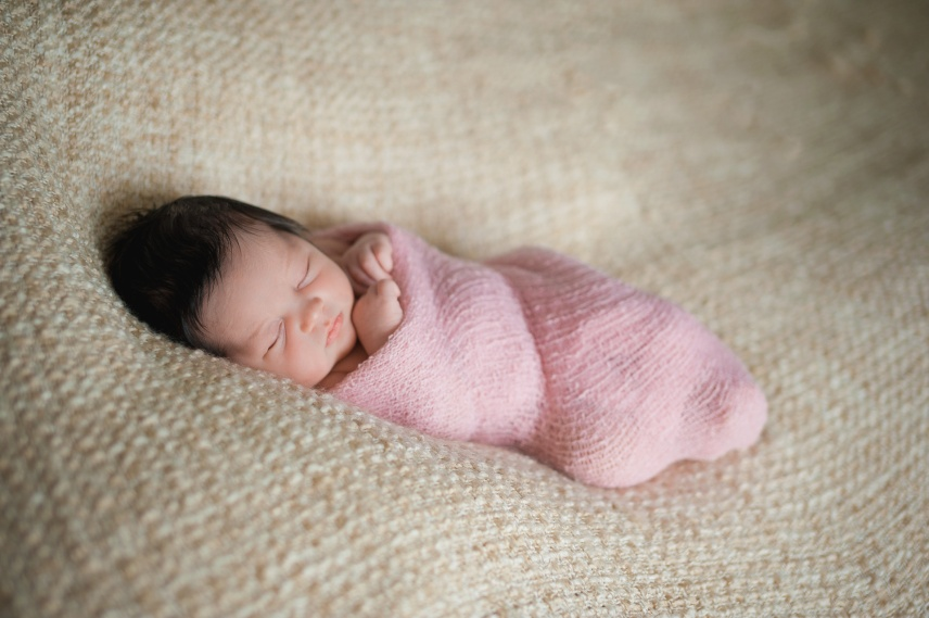 newborn, newborn session, baby, love, daughter, sister, baby love,